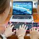 国产键盘设计也能如此惊艳?——AJAZZ 黑爵 AK60 RGB机械键盘 银轴版