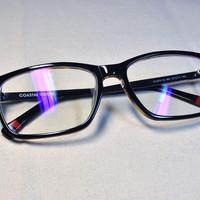 新眼镜新视界——依视路 睛智系列轻蓝非球面 近视眼镜片