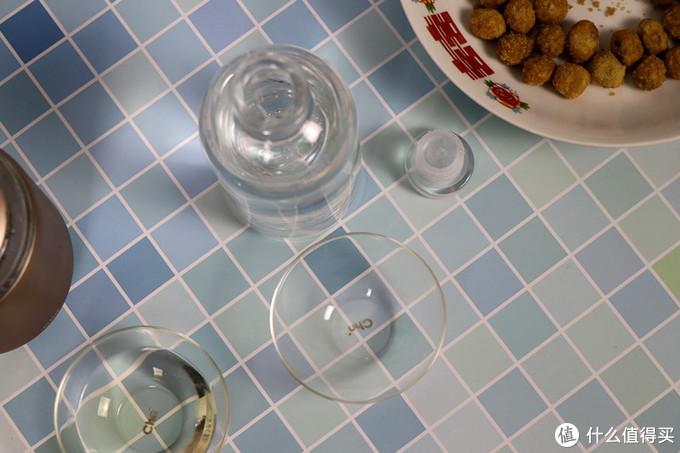 慢即是快,小既是大,少即是多:三两浓香型42°+52°微醺白酒品鉴