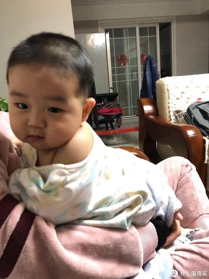小帅哥携他漂亮小枕头的测评