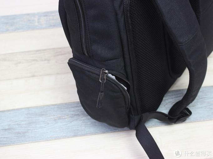 一款男性向的通勤商务包,Tomtoc A60 双肩电脑包