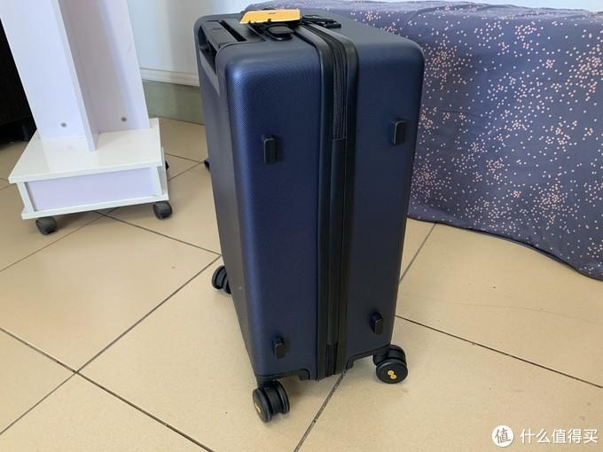 短途旅行好物,颜值党新宠,锤子科技地平线8号旅行箱20寸测评