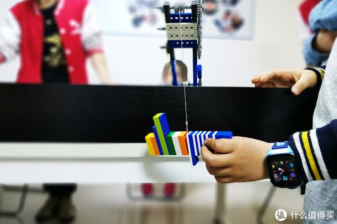 功能完备 呵护安全 使用简便—360儿童电话手表8X