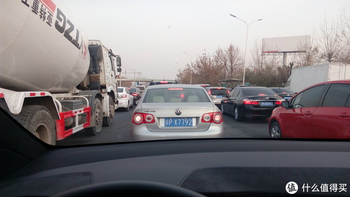 拥堵路段ModelX跟车还是很方便的