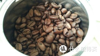 illy重度烘培的咖啡豆,屯了几罐,今天开箱,味道很不错哦,打开盖子,满满的香味扑面而来。i am enjoy it