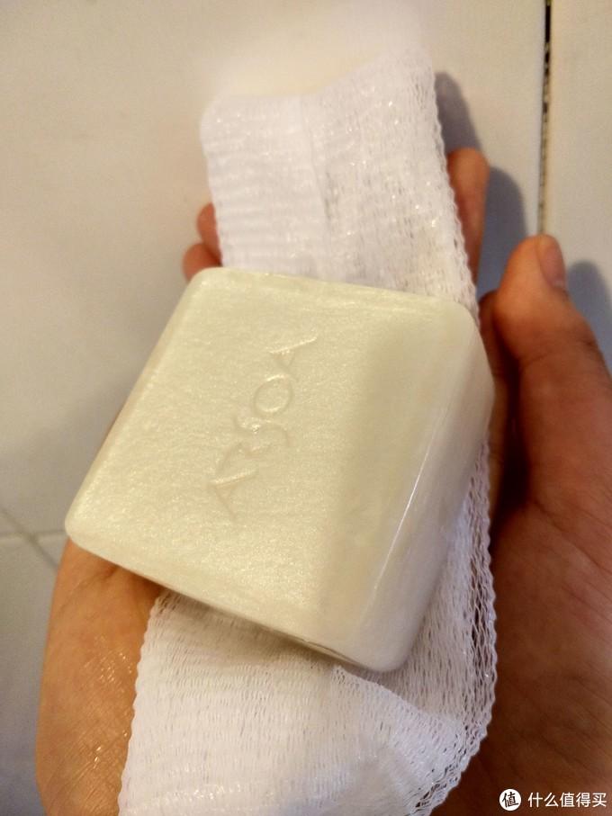 安露莎,黑白双皂大比拼。