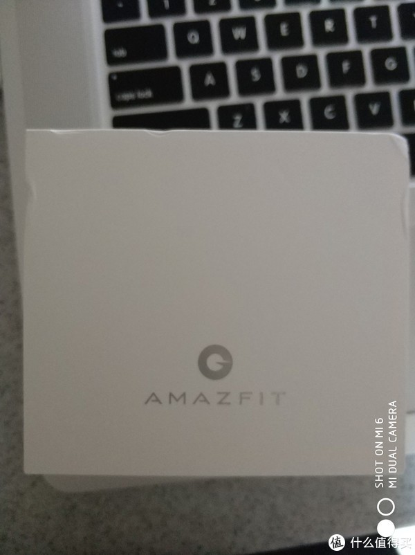 我是AmazFit包装盒