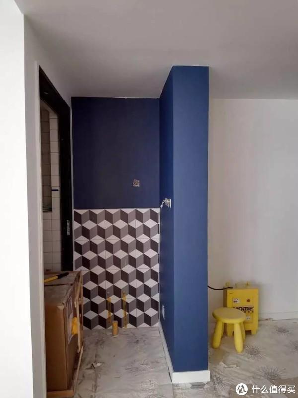 卫生间干区,我爱的深蓝与花砖配一脸
