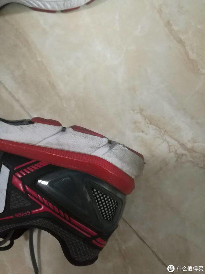 2017年的北京马拉松破四与跑完900公里的361° SPIRE 跑鞋
