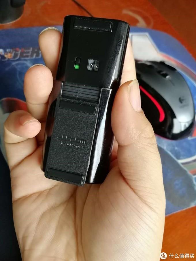 一个很安静很小巧方便携带的备用鼠标ELECOM M-CC2BRS 蓝牙静音马克鼠