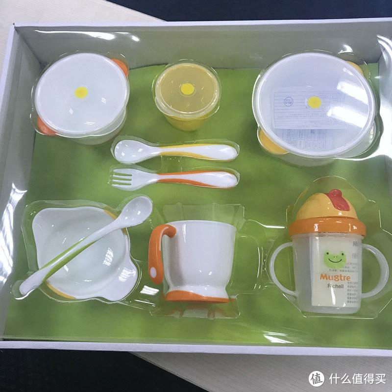 分享一下给宝宝新买的儿童餐具~利其尔Richell儿童餐具套装~