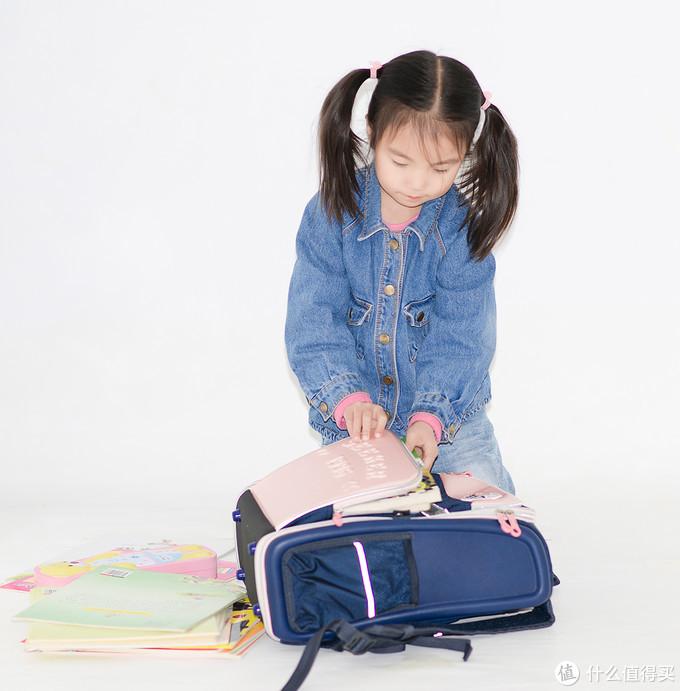 不能当旅行包的书包不是好背包—九微米探索系列护脊书包测评