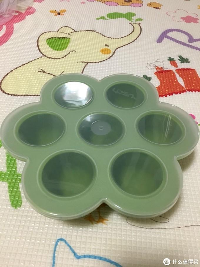 我的辅食起步用具和宝宝6个月第一口手指食物的尝试(BLW)