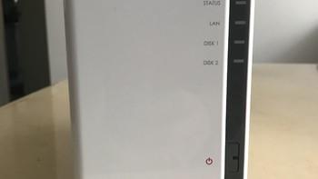 群晖 DS216j 双盘位NAS外观展示(指示灯|接口|配色)