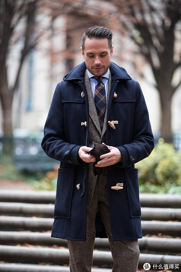 衣柜必备单品 篇一:牛角扣大衣袖子又肥又大?恭喜你买到正品了!