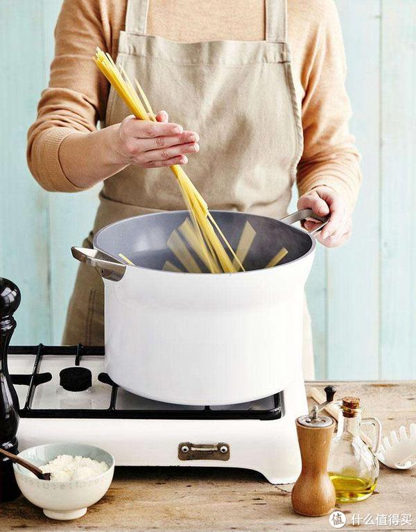 """#本站首晒#心水很久的小白锅 - TVS """"LIQUIDA """" 系列平底煎锅:来自意大利的厨房颜值担当"""
