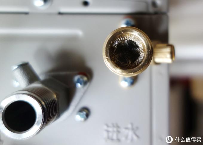国产老牌重装出发,日本品牌能否一战:万家乐A8变频恒温燃气热水器(JSQ28-14A8)