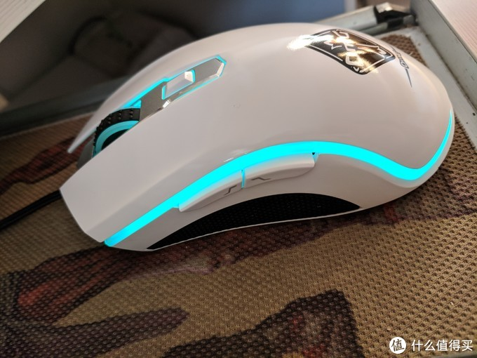 雷柏 V25S 幻彩RGB游戏鼠标的使用测评