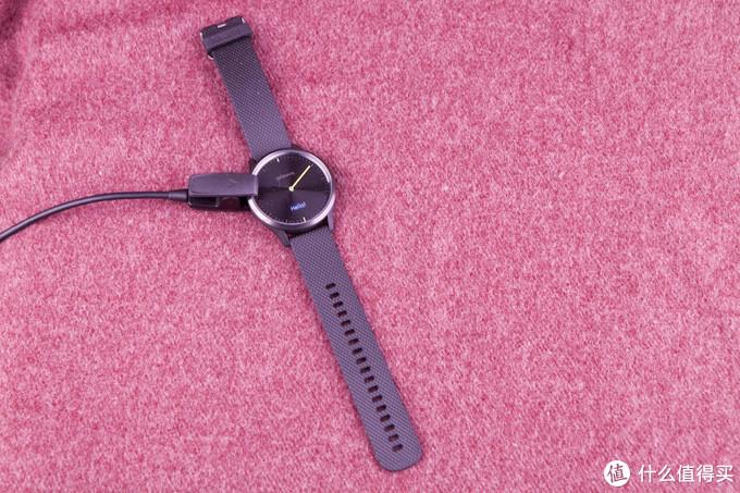 时尚与智能的碰撞,高颜值 Garmin vívomove HR 指针式智能运动手表