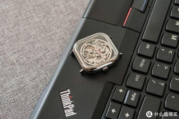 体会时间在你眼皮底下溜走的感觉——CIGA Design全镂空机械腕表 评测(内有视频!)