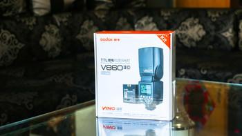 神牛 V860II-C 机顶闪光灯使用体验(灯头|按钮|传感器|电池仓|电池)