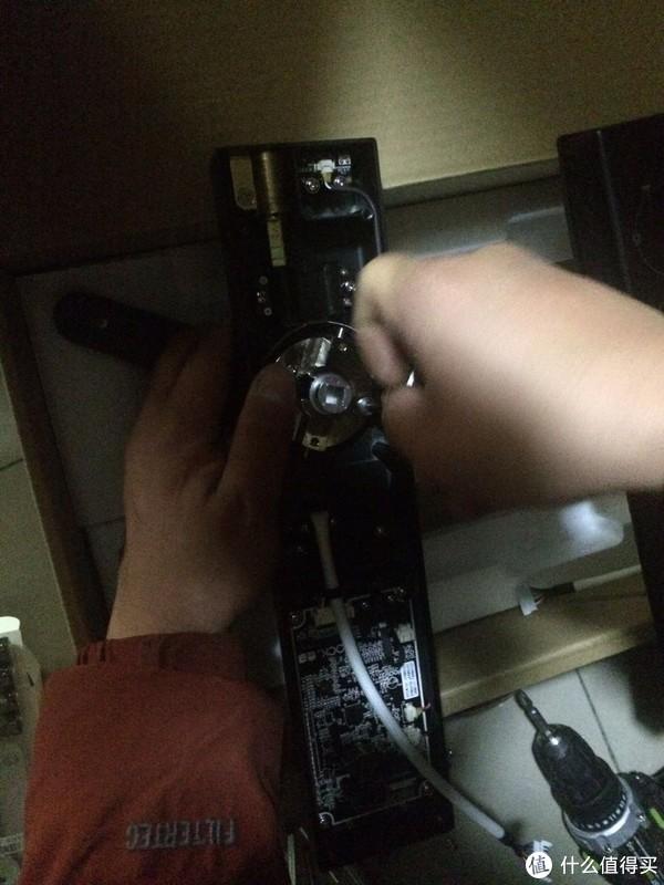 差劲的装前体验,良好的装后使用感受—MIJIA 米家 x LOOCK 鹿客 Classic 智能指纹锁 评测