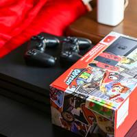 任天堂 Switch 游戏主机开箱展示(屏幕|游戏卡槽|散热孔|充电口|扬声器)