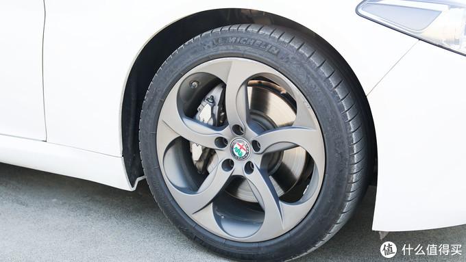 评车场No.36:你确定要为意式情怀买单?—Alfa Romeo 阿尔法·罗密欧 Giulia