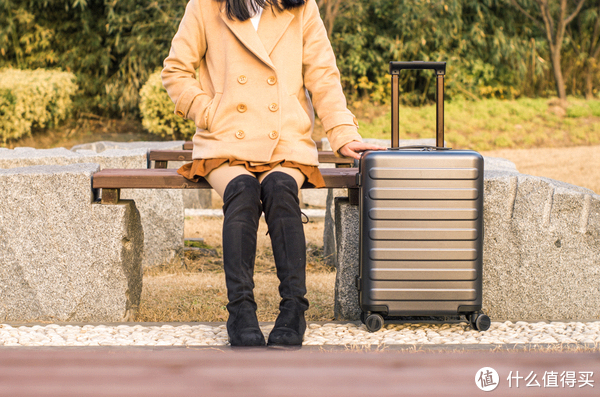 不给旅行拖后腿—七道杠儿90分 20寸 旅行箱 开箱
