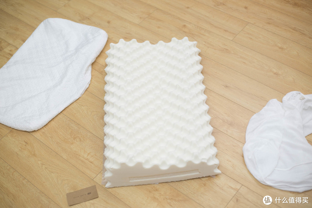 京造 颗粒按摩乳胶枕 晒单