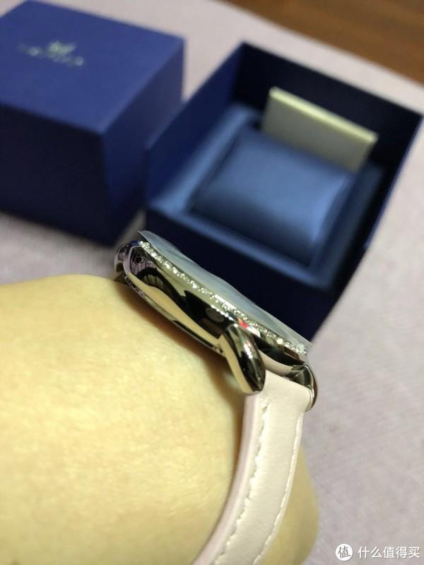 送给老婆的生日礼物—施华洛世奇 Alia Day 手表