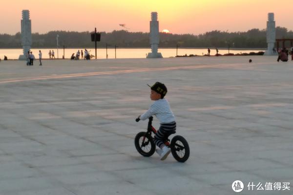 以晒车的名义晒娃: 篇二:#全民分享季#KOKUA 平衡车(2岁+)【含视频】