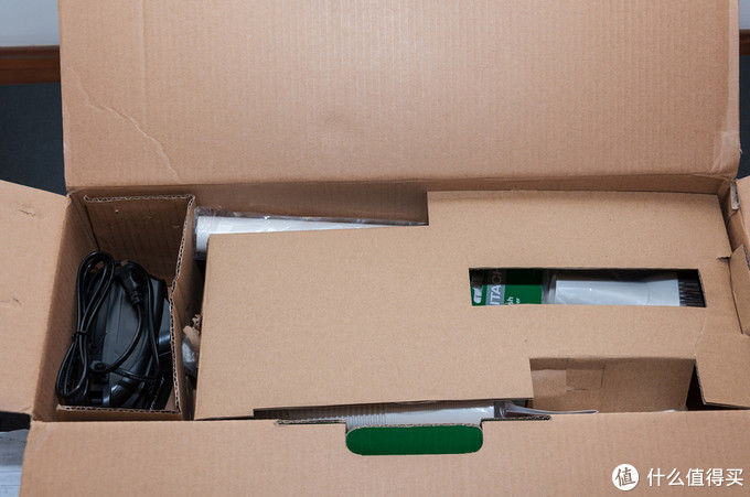 年末大扫除好帮手 小身材 大能量-----日立R10DAL无绳锂电池充电吸尘器评测