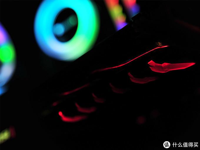 年终购机也不花1w:彩虹流光8600k+1070Ti游戏主机临近狗年终入怀