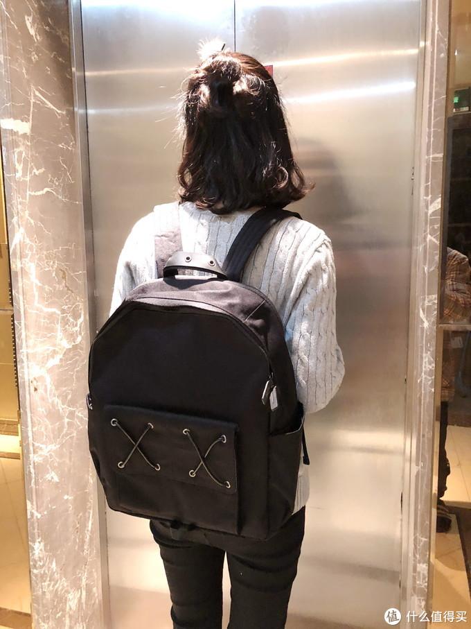 换个背包换种心情 VENQUE范克 CROSS双肩包 评测