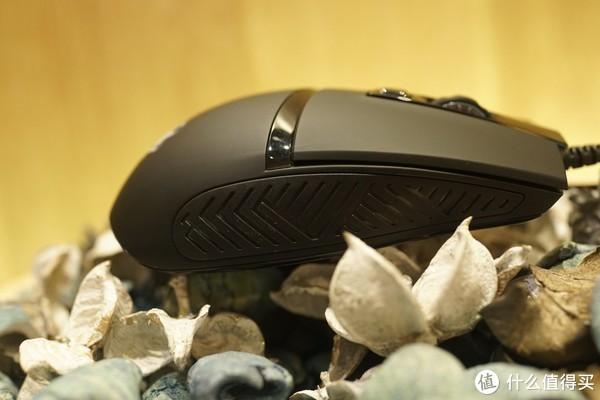 我的炽魂(Blasoul)燚Y720鼠标体验记:Blasoul 炽魂 燚Y720 有线鼠标