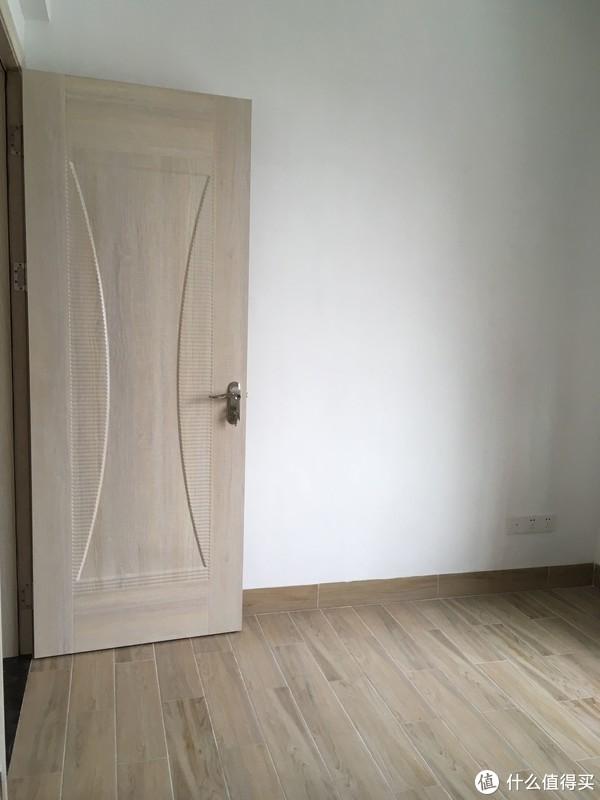 LZ家的门就是多层板(胶合板)作为芯,再用木纹饰面的生态板门