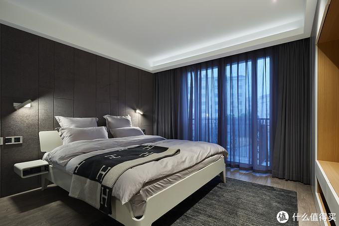 主卧室,床最后还是选了造作的产品