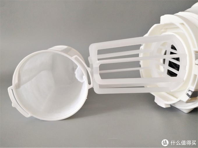 手持吸尘器比传统吸尘器好用在哪?日立R10DAL锂电池充电吸尘器为你揭晓答案