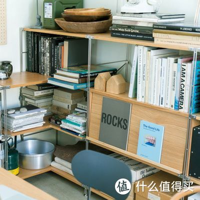 可放置杂志、食谱或不太厚的书籍