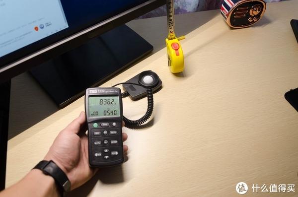把台灯挂在显示器上就能护眼?BenQ 明基 WiT ScreenBar 智能工作台灯 体验(附终极改造指南)