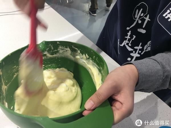 拯救吃灰烤箱—草莓滴落蛋糕详细制作过程