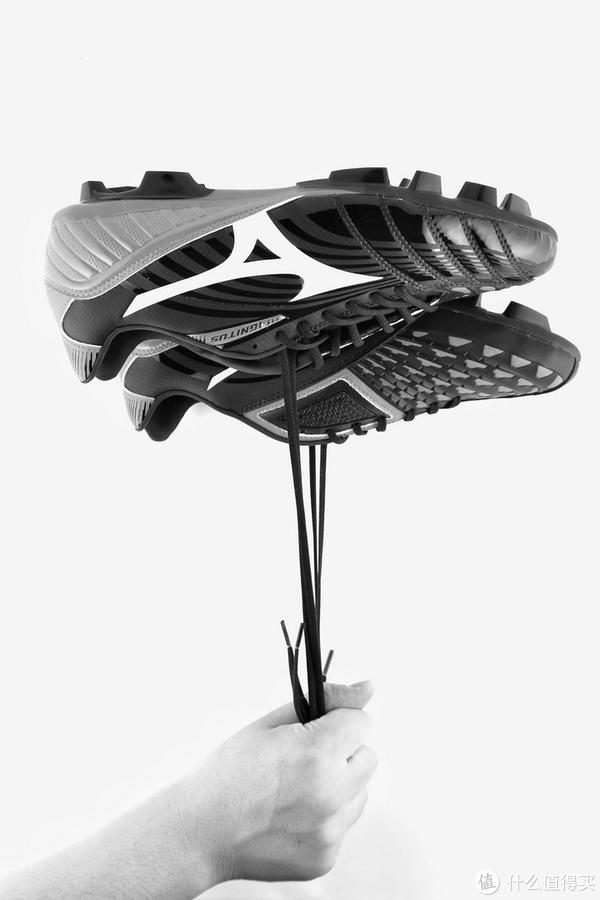 我爱猎鹰,却选择了它—Mizuno 美津浓 Ignitus 无回旋 3 足球鞋 评测(浅谈足球鞋选购)