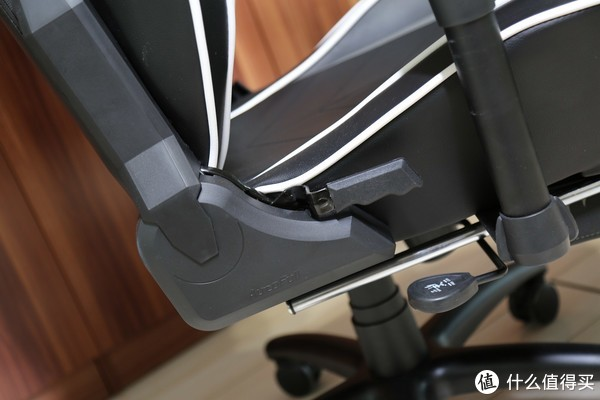 吃鸡座椅选购记:AutoFull 傲风 AF052 电竞椅