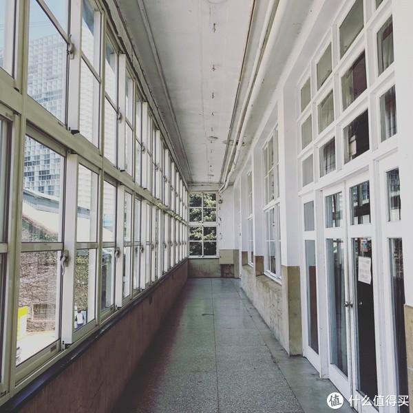 老厂房改造的空间能感受到时间的流动。
