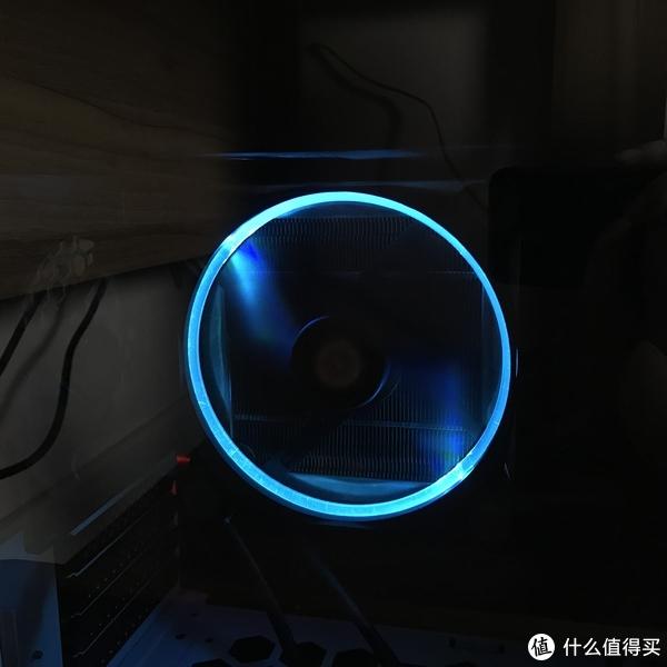 Thermaltake 曜越 Riing 14 LED RGB 256 Colors Fan 风扇 轻晒单