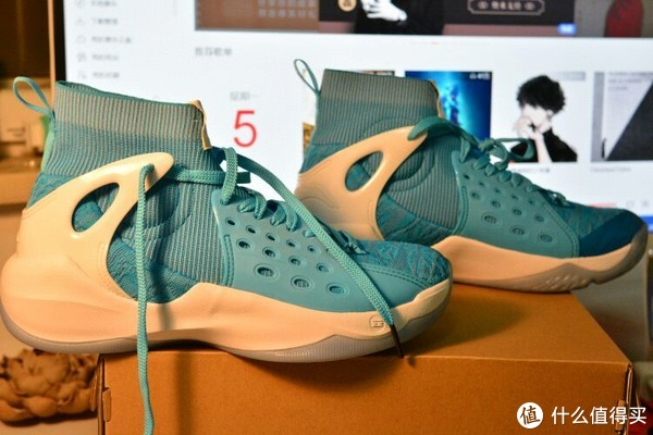 李宁篮球鞋 篇一:#原创新人#LI-NING 李宁 音速VI 海豚蓝 篮球鞋 开箱