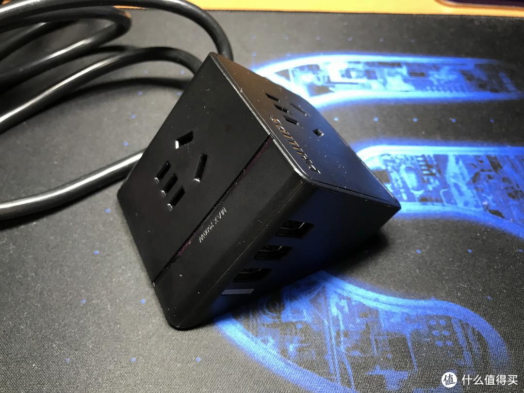 价格低廉,小巧轻便否?-飞利浦便携迷你USB桌面旅行插座