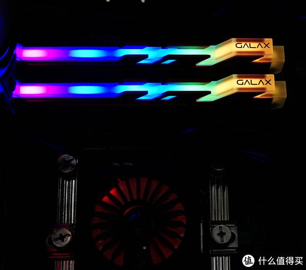 可以刷脸吃饭的欧若拉——影驰GAMER III极光RGB DDR4 3000内存入手开箱及详测