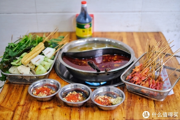 真的好吃吗? 篇九十七:长沙最早的网红麻辣烫,14年了还是只有牛肉和味碟最出彩